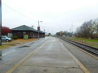Effingham station - The Effingham station in April 2016.