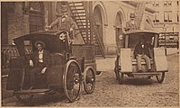 Electrobat Taxis on Manhattan 39th Street in 1898.jpg