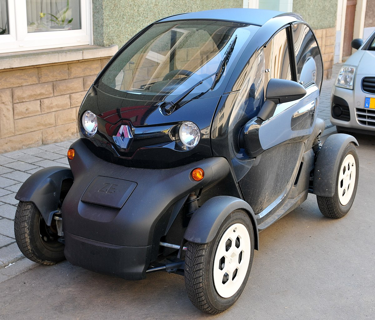 Electric Golf Car Ouside Keeping