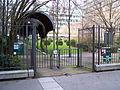 Entrée jardin Duhamel rue Choderlos-de-Laclos.JPG