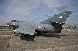 Etendard Le Bourget FRA 002.jpg