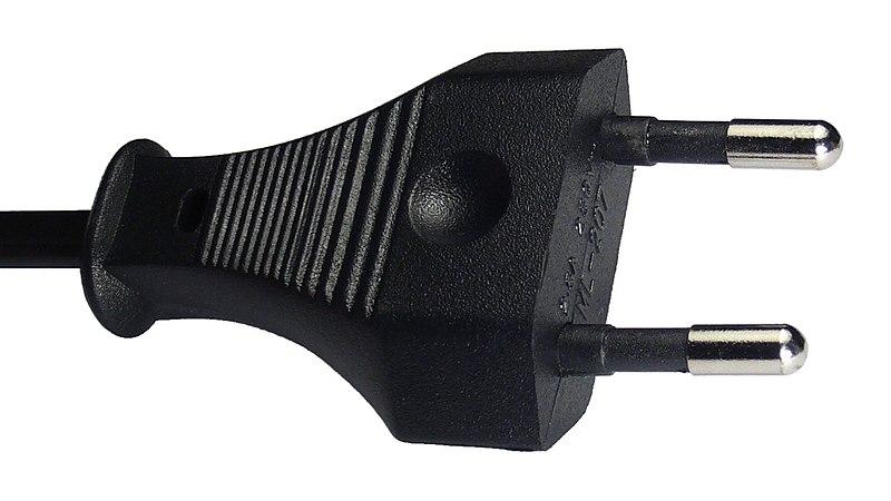 800px-euro-flachstecker_2