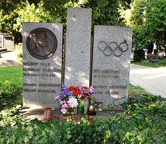 Eva Bosáková - Grave of Eva Bosáková at Vinohrady Cemetery in Prague