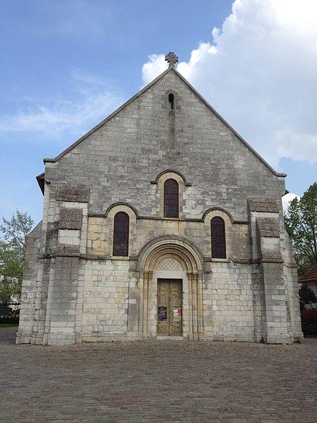 Façade occidentale de la chapelle Saint-Julien.