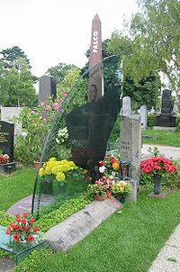 Falco's grave at Vienna Zentralfriedhof
