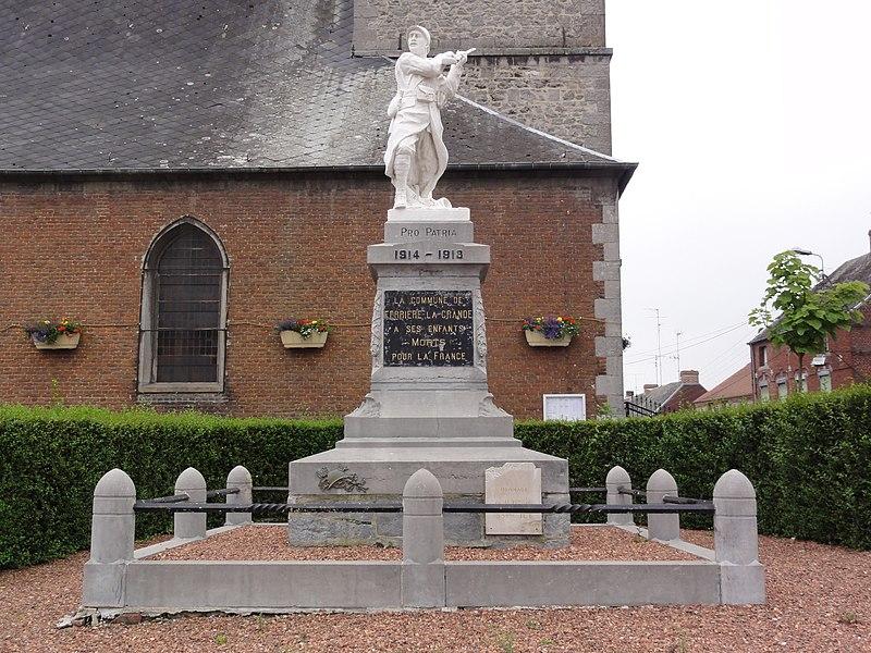Ferrière-la-Grande (Nord, Fr) monument aux morts