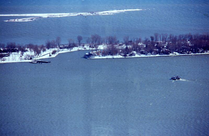 File:Ferry Ongiara providing winter service to Ward's Island.jpg