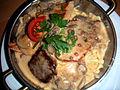 Flickr - cyclonebill - Spätzle med svinekotelet, kyllingebøf, oksebøf og champignonsauce.jpg