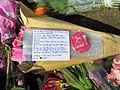 Flowers for the Westminster Attack Parliament Square, 27 March 2017 (32842142544).jpg
