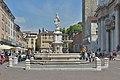 Fontana in piazza Paolo VI Brescia armata Callegari.jpg