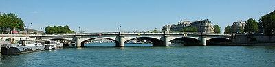 France Paris Pont de la Concorde 01.jpg