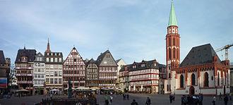 Altstadt (Frankfurt am Main) - Römerberg Ostzeile with Alte Nikolaikirche (Old Saint Nicholas Church)