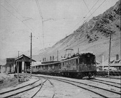 Freight train with loc E 100 Las Cuevas.jpg