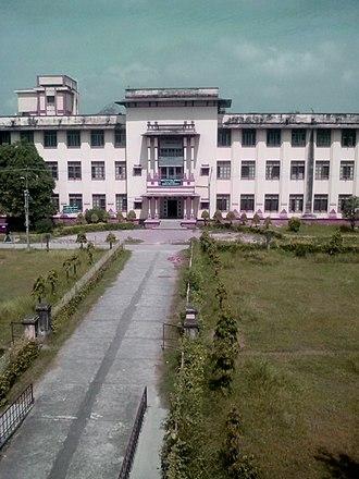 Banaras Hindu University - Samanvaya Bhawan, Faculty of Social Sciences (Old PG Building) as seen from Faculty of Arts building