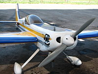 Avión a combustión de vuelo 3D
