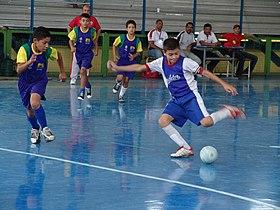 Jogos de futebol pelo mundo