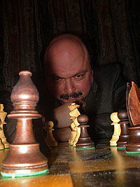 Gábor Kállai with chess table.jpg