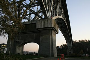 Aurora Bridge - The northern anchor of the bridge