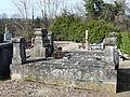 Gardonne cimetière caveau.JPG