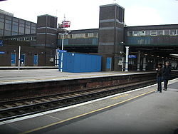 Gatwick Airport Station 02.JPG