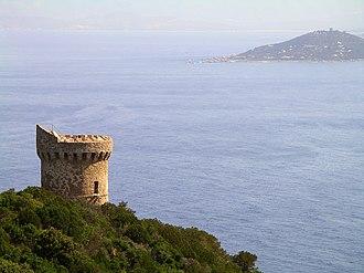 Genoese towers in Corsica - Genoese tower on the Capu di Maru