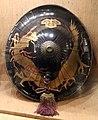 Giappone, periodo edo, jingasa (cappello da parata) in legno e lacca 03.jpg