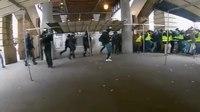File:Gilets jaunes tirs de flash ball rapprochés, Paris, 29 décembre, acte 7.webm
