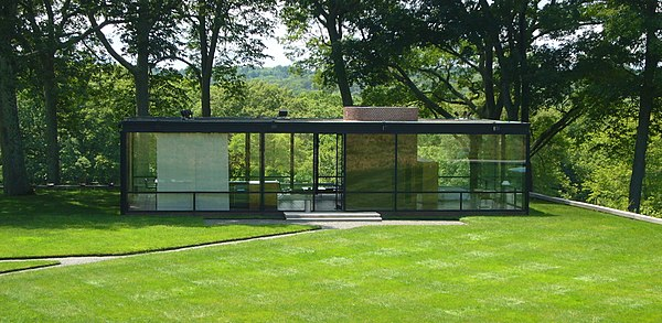 Glass House by Philip Johnson (exterior) in New Canaan, CT, USA By Staib (Own work) [CC-BY-SA-3.0 (www.creativecommons.org/licenses/by-sa/3.0)], via Wikimedia Commons