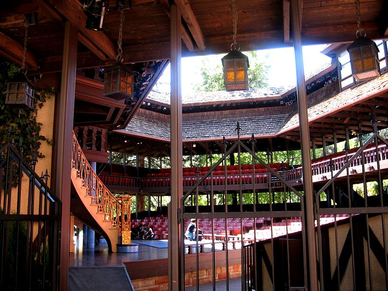 File:Globe Theatre at SUU.jpg