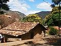 Grão Mogol MG Brasil - Casa típica, construção de pedra - panoramio.jpg