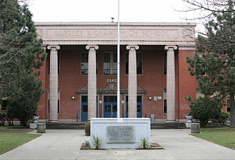 Grant High School (Portland, Oregon) - The facade of Grant High School