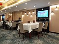 HK SW Sheung Wan Des Voeux Road Sky Cuisine Restaurant interior white table cloth February 2021 SS2 01.jpg