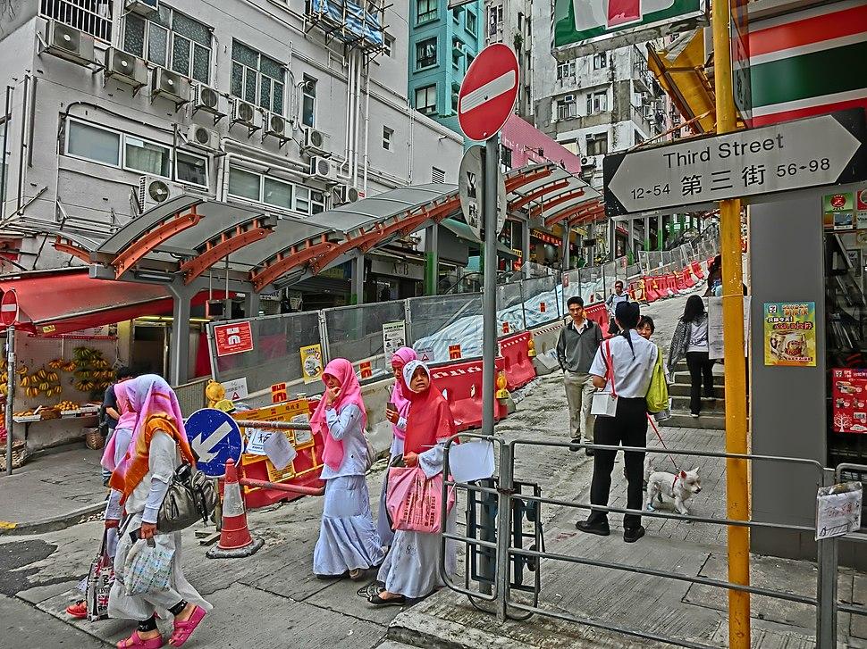 HK Sai Ying Pun Third Street near Centre Street Indonesia clothing visitors view Escalators Apr-2013.JPG