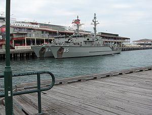 HMAS Gascoyne (M 85) at Station Pier.JPG