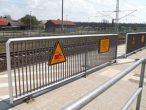 Safety barrier - Platform barriers at the station of Paulinenaue (Berlin–Hamburg high-speed track)