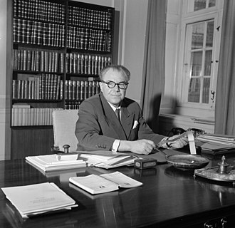 Hans Hedtoft - Hans Hedtoft in his office, Copenhagen, 1954