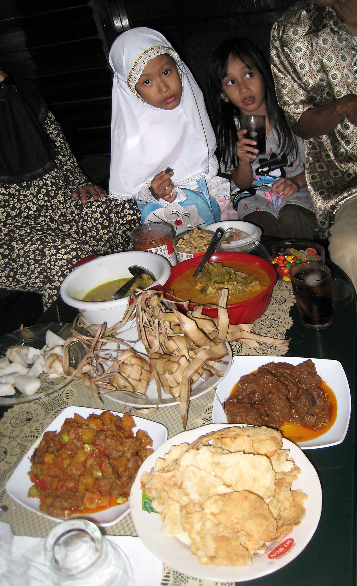 Popular Eid Ul Adha Eid Al-Fitr Food - 1200px-Hidangan_Lebaran  You Should Have_515896 .JPG