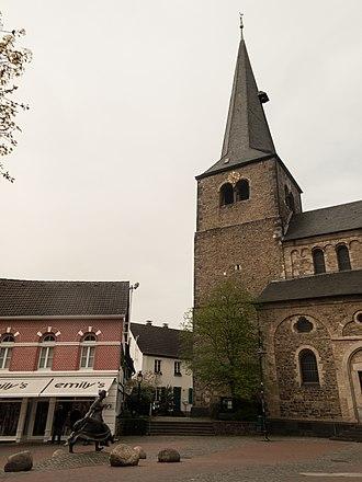 Hilden - Image: Hilden, die Reformationskirche Dm 29 foto 6 2014 03 30 16.00