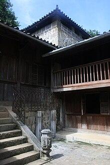 Hmong King's house at SaPhin.jpg