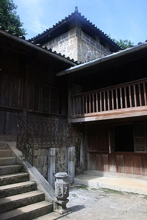 Hà Giang Province - Image: Hmong King's house at Sa Phin