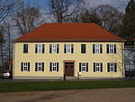Hof Grass Herrenhaus 01.JPG