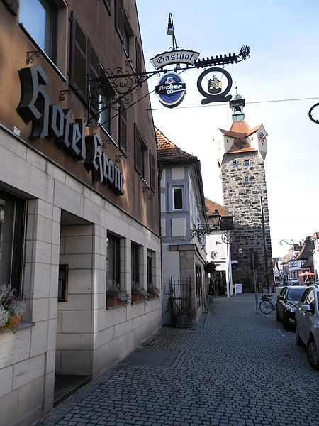 File:Hotel Krone und Türmersturm Herzogenaurach.JPG