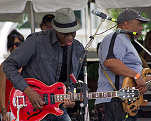 Houston IFest 2011 Keb Mo Guitar Solo.jpg