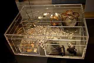 Largest hoard of late Roman silver and gold discovered in Britain