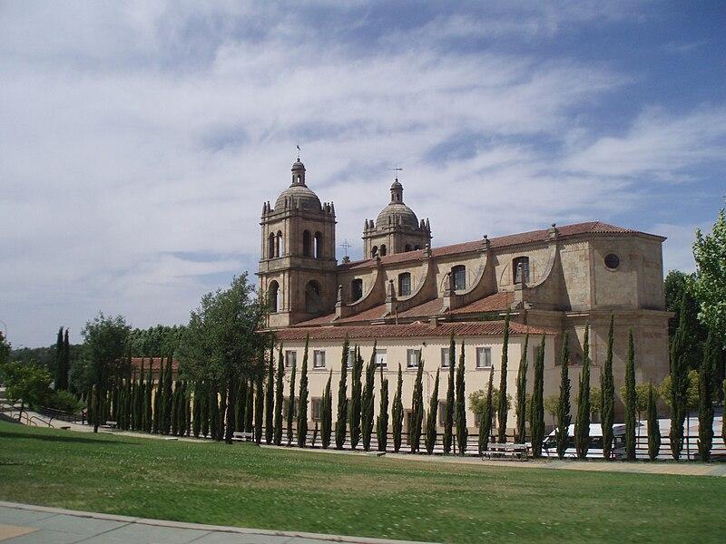 File:Iglesia situada en las afueras de la ciudad de Salamanca. (España)--1.JPG