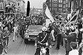 In de auto zittend v.l.n.r. Swart, Michels en Vasovic, Bestanddeelnr 924-6154.jpg
