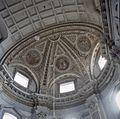 Interieur, overzicht het gewelf met gewelfschilderingen in zuider transept - Oudenbosch - 20383978 - RCE.jpg