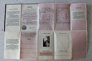 New Zealand passport - Image: Interior of fold out New Zealand passport 1915 1922
