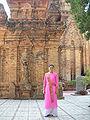 Isa (Kim Thanh), cô gái Chăm trong đội vũ công Phan Rang.JPG