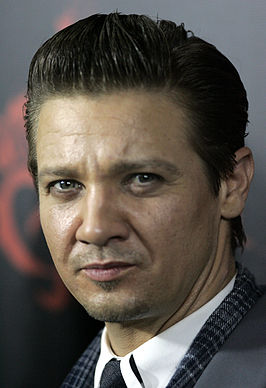 Renner tijdens de première van Hansel and Gretel: Witch Hunters in 2013